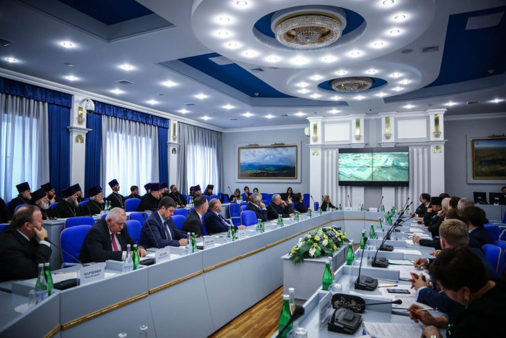 Атаман Терского войскового казачьего общества принял участие в епархиальных Рождественских чтениях