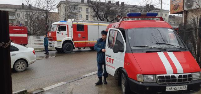 Казаки Новороссийска укрыли детей от пожара