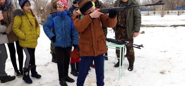 На слете военно-патриотических клубов Ипатовского района выявили сильнейших