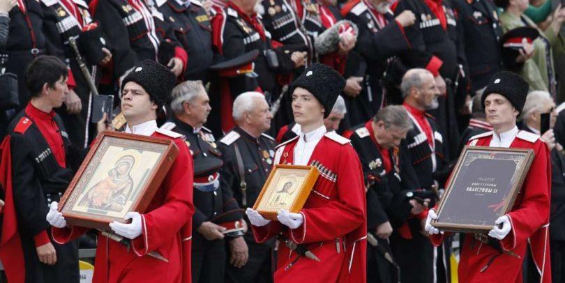 В Краснодаре прошел парад казаков