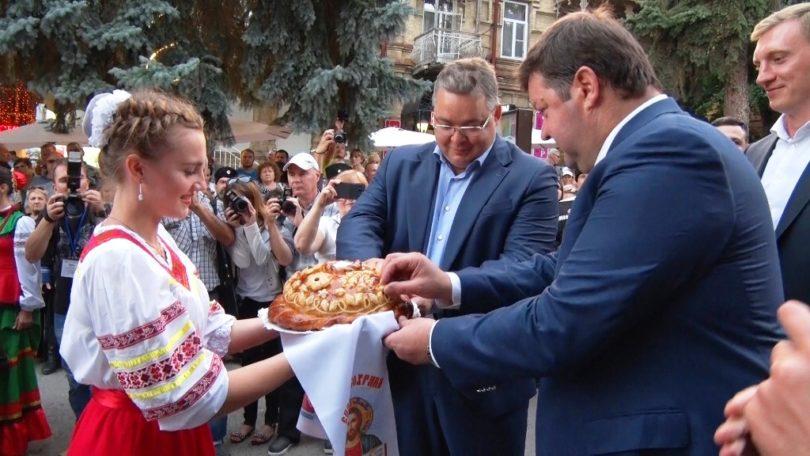 Ессентукские казаки принимали гостей и поздравления.