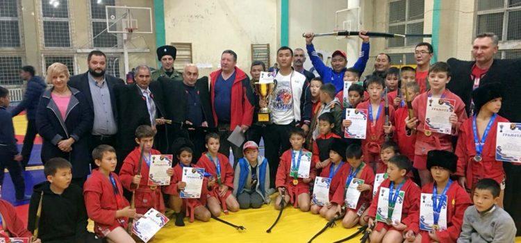 Всероссийский турнир по борьбе самбо прошел в Ессентуках