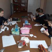 Занятия по прикладному искусству продолжаются в станичных школах