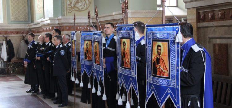 Икону с частицей мощей своего покровителя передадут храму казаки Михайловска