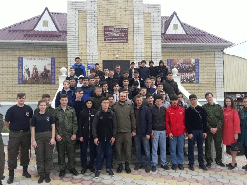 Казачьи общества участвуют в призывной кампании на Ставрополье