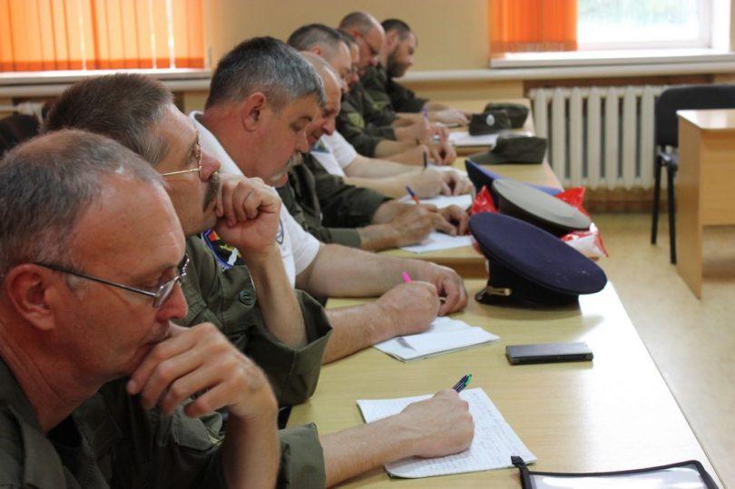 Полицейские провели учебные сборы для казаков и народных дружинников на Ставрополье