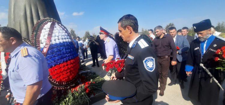 Атаман Терского войска Виталий Кузнецов принял участие в поминовении жертв бесланской трагедии
