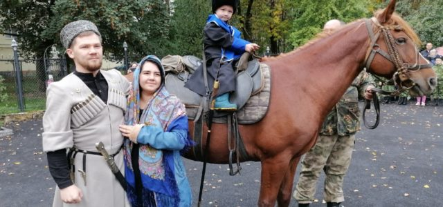 В Михайловске прошла реконструкция двух старинных казачьих обрядов
