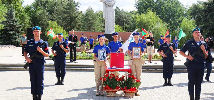 В Ставропольском крае прошла торжественная церемония захоронения останков Ивана Митрофановича Дубового