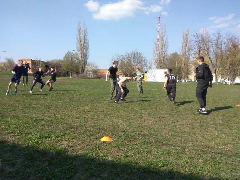 Тренировка по древнерусской игре в мяч прошла в казачьем техникуме