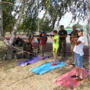 Летний биатлон по-казачьи: в Ипатово школьники состязались в меткости и скорости