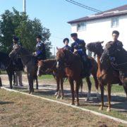 На Ставрополье проходит конный переход Терского казачьего войска в честь 75-летия победы в Великой Отечественной войне