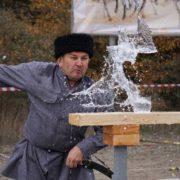 На Ставрополье прошли ежегодные соревнования по рубке шашкой «Георгиевская Казарла»