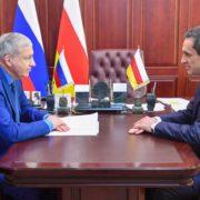 Глава Северной Осетии Вячеслав Битаров и помощник полпреда Виталий Кузнецов обсудили вопросы развития казачества в регионе