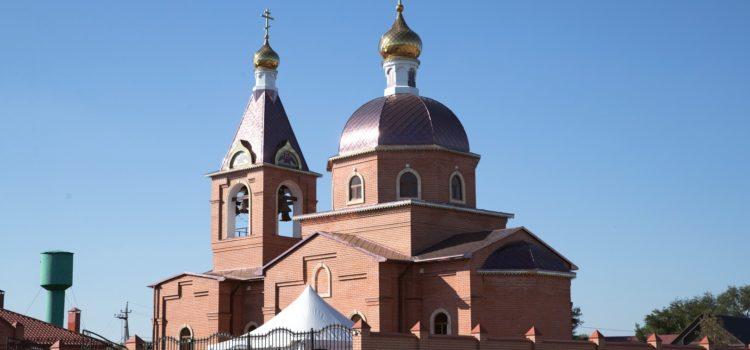 Икона, написанная казаком-эмигрантом Карпушкиным, побывала на службе в станице Шелковской